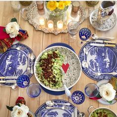 Willow pattern tablescape