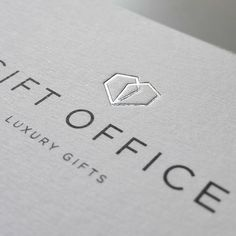 Marca Gift Office. Aplicaciones papelería. Luxury Gifts, Place Cards, Place Card Holders, Studio