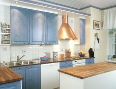 Lilli-kissa kuului kuvausrekvisiittaan 2001 valmistuneen keittiön kuvauksissa.
