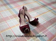 Miniature High Heel Shoes Handmade from Polymer Clay by Ciondolandia Bijoux