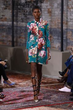 Gucci Resort 2016 Collection Photos - Vogue