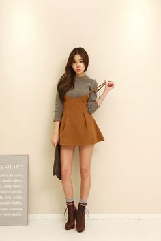 Short Collar Knit Top