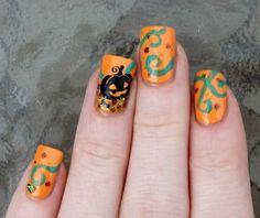 Pumpkin and vines Hallowe'en nail art