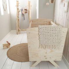 Babykamer styling & meubels designed by Huis & Grietje #ledikant #babykamer #underlayment