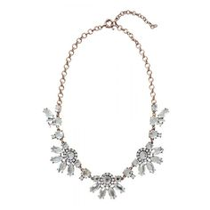 Daisy Statement Necklace ($25) ❤ liked on Polyvore featuring jewelry, necklaces, daisy necklace, antique gold necklace, daisy jewelry, flower necklace y bib statement necklace