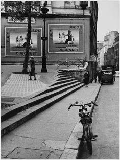 André Kertész, Porte Saint-Denis Paris 1934