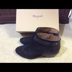 Madewell Collar stud boot in size 9.5 Tried once. Not the right fit for me. Madewell Shoes Ankle Boots & Booties