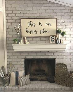 Rustic fireplace decor, farmhouse mantel и above fireplace decor. Above Fireplace Ideas, Fireplace Redo, Fireplace Design, Farmhouse Mantel, Farmhouse Bedroom Decor, Rustic Mantle, Rustic Walls, Rustic Wall Decor, Chimney Decor