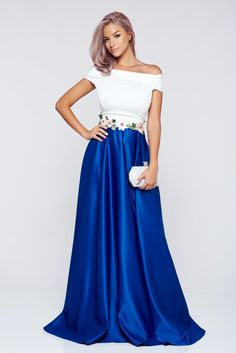 Comanda online, Rochie Artista albastra din material satinat cu insertii de broderie. Articole masurate, calitate garantata!