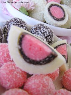 Bakery Recipes, Dessert Recipes, Cooking Recipes, Macedonian Food, Cake Decorating Frosting, Serbian Recipes, Truffles, Christmas Cookies, Food And Drink