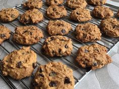 Choco Chip Cookies, Choco Chips, Chocolate Chip Cookies, Yummy Cookies, Cake Cookies, Sugar Cookies, Sweet Desserts, Sweet Recipes, Cranberry Orange Cookies