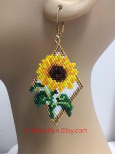Seed Beaded Earrings Name: Sunflowers Floral Beaded Beaded Earrings Patterns, Seed Bead Patterns, Beading Patterns, Beaded Jewelry, Jewelry Patterns, Crochet Earrings, Beaded Bead, Art Patterns, Opal Jewelry
