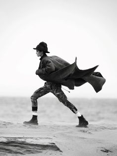 Buffalo2016  Vogue Paris October 2016   www. vogue .fr    Photography: David Sims   Model: Luna Bijl & Sara Sampaio   Styling: Emm...