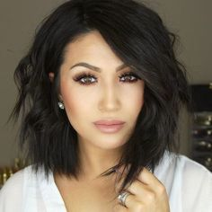 Bob hairstyles are really trendy and popular nowadays. So here are the best images of the Most Beloved Brunette Bob Hairstyles for Ladies, check our gallery that we have compiled for you! Short Hair Styles For Round Faces, Short Hair With Layers, Hairstyles For Round Faces, Pixie Hairstyles, Curly Hair Styles, Summer Hairstyles, Hairstyles 2016, Pixie Haircuts, Latest Hairstyles