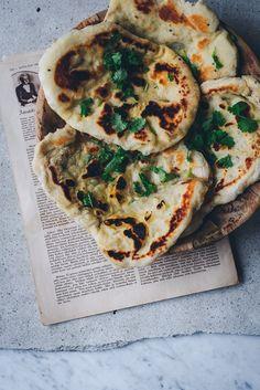 Naan, Wrap Sandwiches, Healthy Treats, Meat Recipes, Recipies, Vegetable Pizza, Food Inspiration, Dessert Recipes, Desserts