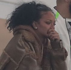 I have to make decisions😭😭 I have to choose to get out of bed every day😭😭 wtfff😭😭 Rihanna Meme, Rihanna Riri, Funny Reaction Pictures, Meme Pictures, Meme Faces, Funny Faces, Response Memes, Reaction Face, Current Mood Meme