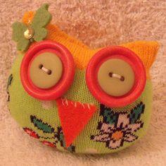 This little owl is sooo cute!