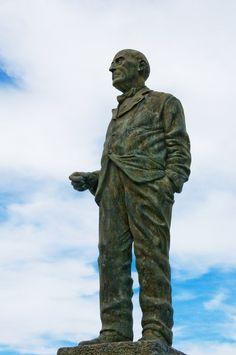 """escultura a Benito Quinquela Martin, """"""""La Boca"""""""""""