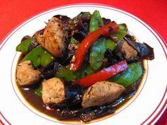Black Bean Sauce Chicken with Snow Peas (豆豉荷蘭豆鷄, Dau6 Si6 Ho4 Laan4 Dau6 Gai1)