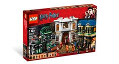 Diagon Alley from the Harry Potter Lego collection. Most excellent.