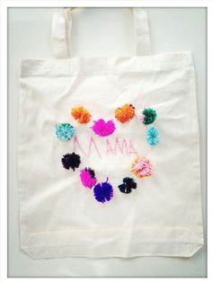 25 DIY Mother's Day Gift Ideas   DIY tote for mom