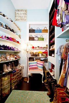 Lori Levine`s dressing room//