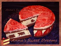 Ванильно-клубничный торт суфле