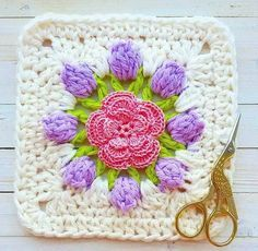 The blog YARN CROCHET share with you a mega tutorial crochet square that can be used to make quilts, bedspreads, pillows, and mo...