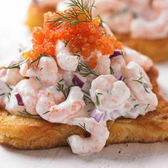 Looking for a skagen toast recipe? Try our shrimp skagen. Invented by Swede Tore Wretman in skagen is now firmly established as a traditional dish Prawn Toast Recipe, Shrimp Toast, Prawn Starters, Easy Starters, Swedish Dishes, Swedish Recipes, Stockholm Food, Nordic Diet, Fresh Horseradish