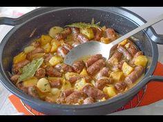 SALCHICHAS AL VINO con patatas, ¡un éxito asegurado! - YouTube Kitchen Recipes, My Recipes, Dessert Recipes, Cooking Recipes, Bratwurst, Tasty Videos, Air Fryer Recipes, Main Meals, Tapas