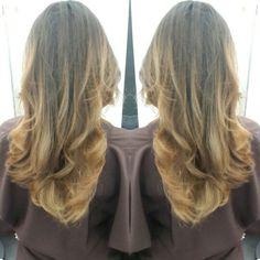 #hair #cabello #californianas #balayage #ombre #honey #miel #color #hairdresser #hairstylist #estilista #peluquero #Panama #pty #axel #axel04 #picoftheday #mirrorphoto