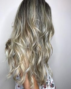 If you want your locks to look effortlessly on point, this messy style is for you. Not to mention you won't have to worry about your roots growing out. #blonde #dirtyblonde #haircolor #colortrends #fallhair