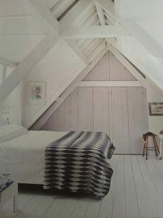 Attic bedroom / zolder slaapkamer