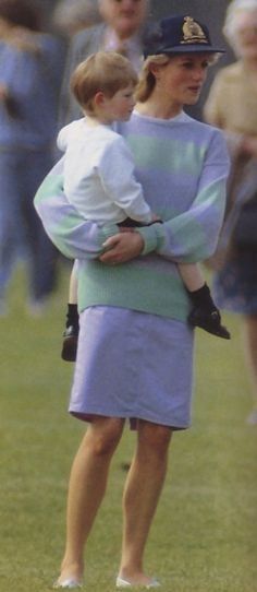 http://www.angelofoz.com/princess_diana_children_02/352.jpg