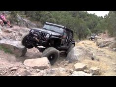 Rattlesnake Trail, Utah Jeep Rubicon Offroad. I wish I had the guts to do this!!