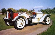 1914 Stutz Bearcat. The best American automobile of it's day.