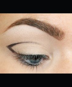 Cut crease how to