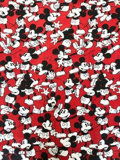 Vintage twin flat bed sheet in red, black, and white Steamboat Willie Mickey Mouse novelty print. Excellent condition, no issues. Mickey Mouse Wallpaper Iphone, Cute Disney Wallpaper, Wallpaper Iphone Cute, Cute Wallpapers, Mickey Mouse Y Amigos, Mickey Mouse And Friends, Mickey Minnie Mouse, Minimalista Disney, Mickey Mouse Vintage