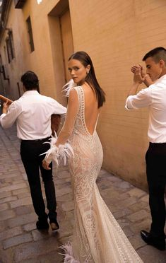 BERTA Bridal Fall 2018 Collection - The Wedding Notebook magazine Bridal Outfits, Bridal Dresses, Bridal Collection, Dress Collection, Designer Wedding Dresses, Wedding Gowns, Wedding Rings, Berta Bridal, Wedding Dress Accessories
