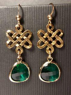 Emerald Earrings Irish Celtic Knots Czech By Queenmejewelryllc 29 99 Symbols