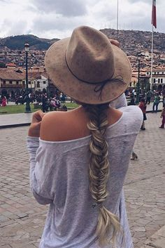 Effortless, long, voluminous fishtail braid created with Ash Blonde Luxy Hair extensions by @alexcentomo! Paired with the perfect Fall Hat! Photo by: https://instagram.com/p/73f18mj3ck/?taken-by=alexcentomo #LuxyHairExtensions