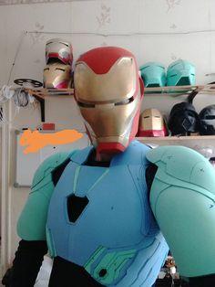 9 Pepakura pattern DIY May 17 Cosplay Armor, Cosplay Diy, Cosplay Ideas, Electronics Projects, Infinity War, Avengers Symbols, Marvel Avengers, Hand Cannon, Super Anime