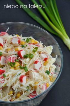sałatka zsurimi imakaronu ryżowego Good Food, Yummy Food, Polish Recipes, Rice Noodles, Potato Salad, Catering, Delish, Seafood, Cabbage