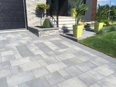 """Check out our internet site for more relevant information on """"patio pavers on a budget"""". It is actually a superb area to get more information. Front Door Landscaping, Driveway Landscaping, Modern Landscaping, Landscaping Ideas, Modern Landscape Design, Garden Landscape Design, Ceramica Exterior, Driveway Design, Modern Driveway"""