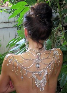 46 Great Gatsby Inspired Wedding Dresses and Accessories - so my style. If that day ever comes!