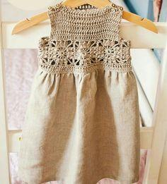 Çocuklar İçin Üstü Motiflerle İşlenmiş Eteği Kumaş Elbise Modeli Yapılışı ( Anlatımlı ) – Örgü, Örgü Modelleri, Örgü Örnekleri, Derya Baykal Örgüleri