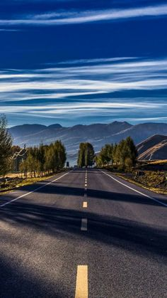 Sometimes I wish, I could drive Roads like this one, with your favourite songs playing in loop.and I will be blessed if you are with me Best Nature Wallpapers, Beautiful Nature Wallpaper, Beautiful Landscapes, Beautiful Roads, Beautiful World, Beautiful Places, Scenery Pictures, Nature Pictures, Fall Pictures