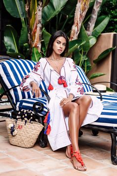 Pin for Later: 26 Stylish Red, White, and Blue Outfits That Aren't Obvious A Colorful Maxi and Pom-Pom Sandals Ethno Style, Bohemian Style, Boho Chic, Trendy Outfits, Summer Outfits, Summer Dresses, Blue Outfits, Viva Luxury, Lady Luxury