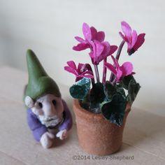 Tiny Cyclamen Plants for a Dollhouse: Make a Range of Miniature Cyclamen for Dollhouse Scenes