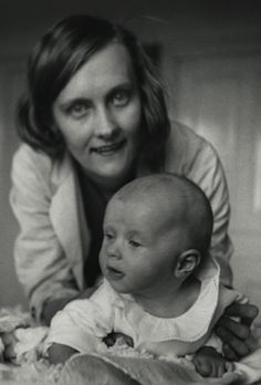 Astrid Lindgren w/ the real 'Pippi Longstocking',daughter Pippi Longstocking, Photographs And Memories, Carl Larsson, The Answer To Everything, Chapter Books, Bedtime Stories, Women In History, Book Authors, Writing A Book